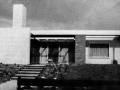 hillegom-aan-het-doornenburg-architectenbureau-koster-bj-1961-hoofdentree-westgevel